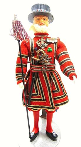 VTG BEEFEATER GIN BAR DISPLAY ENGLISH ROYAL SOLDIER COMPOSITION DOLL FIGURINE
