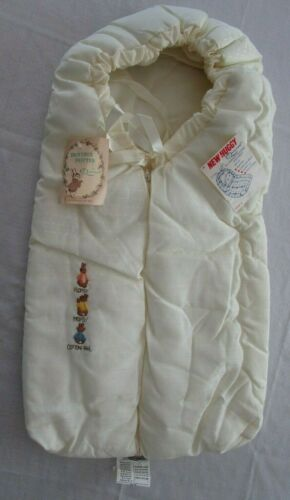 Vintage QUILTEX Beatrix Potter PETER RABBIT Baby Bunting NEW