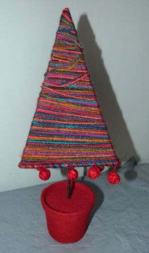 Small+Contemporary+Wool+Christmas+Tree+Table+Decoration+PAPERCHASE
