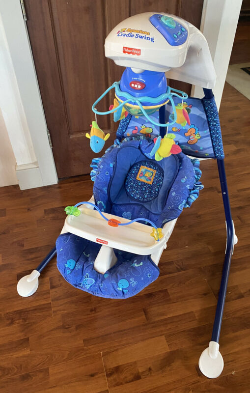 Fisher Price Ocean Wonders Aquarium Cradle Swing w/ Mobile Tray 79667 COMPLETE