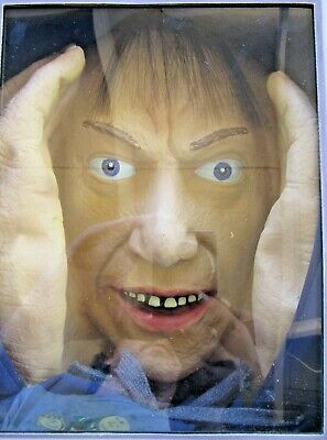 SCARY PEEPER CREEPER... Peeping Tom Window Prop... Halloween Party Prank... NEW - Peeping Tom Halloween