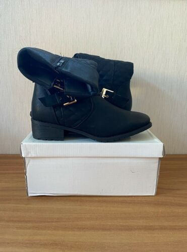 Juliet+Ladies+Buckle+Flat+Boots+with+Gold+Detail+-+Size+5+