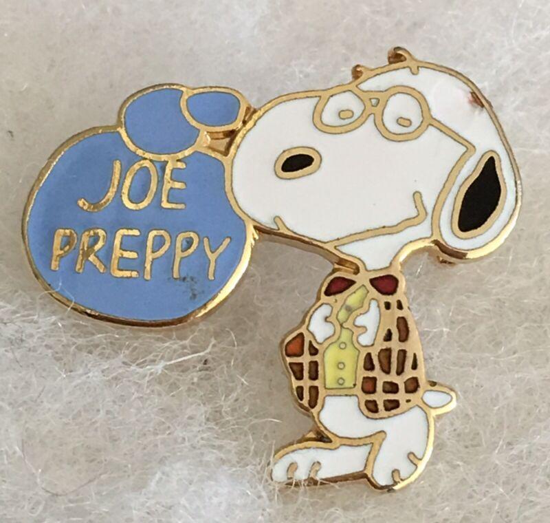 Vtg Peanuts Snoopy Joe Preppy Lapel Pin Fully Dressed Stylish Enameled Pin