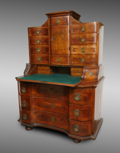 18th CENTURY AUSTRIAN NEOCLASSICAL BURL WALNUT PARQUETRY INLAID CABINET DESK