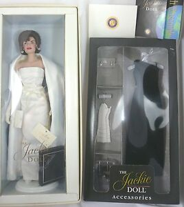 JACKIE DOLL by Franklin Mint in White Sheath Mint + Black Ensemble Outfit NIB