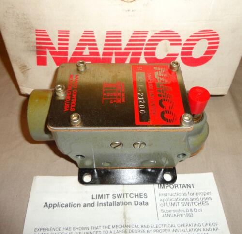 NAMCO EA14021200 LIMIT SWITCH EA140-21200 SNAP-LOCK NEW