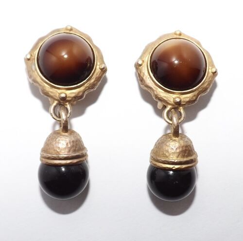 Vintage Etruscan style Hammered Gold tone Glass Cabochon Dangle Clip On Earrings