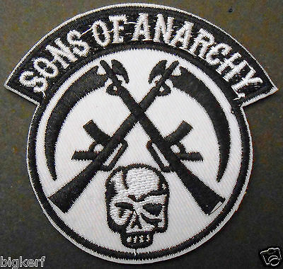 Sons Of Anarchy Patches (SONS OF ANARCHY - SKULL & GUNS - BIKER ROADGEAR  EMBROIDERED PATCH - IRON OR)