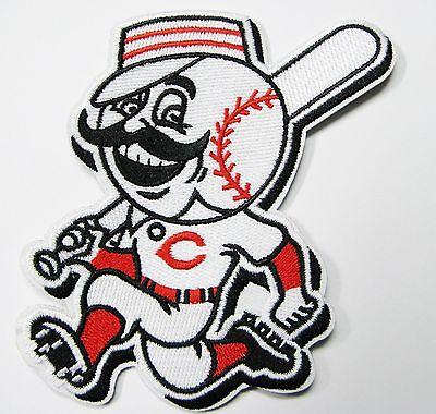 LOT 0F (1) MLB CINCINNATI REDS (BAT BOY) EMBROIDERED BASEBALL PATCH ITEM # 56