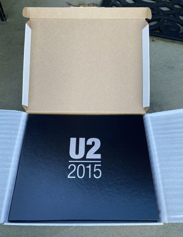 NOS U2 VIP FAN GIFT BOOK iNNOCENCE AND EXPERIENCE Tour 2015 LIMITED EDITION
