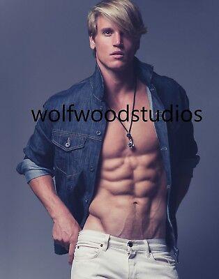 TREVOR VAN UDEN HOT SEXY CUTE TATTOOED BLOND MALE MODEL PUBLICITY PHOTO ](Hot Male Movies)