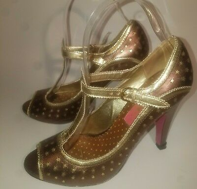 Betsey Johnson 6.5 Bronze/Gold Star Print Leather T-Strap Peeptoe Pumps MSRP$239