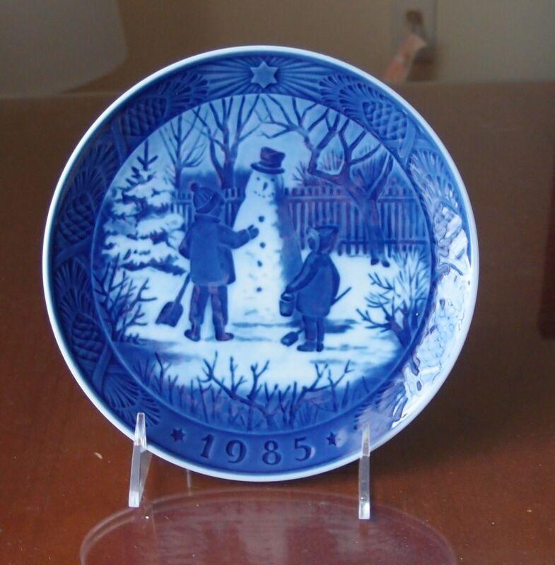 Royal Copenhagen Christmas Plate 1985