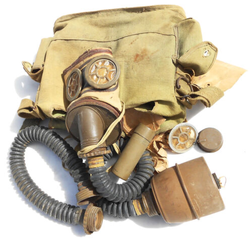UNUSED FRENCH PRE- EARLY WW2 GAS MASK DATED 1935-39 COMPLETE W/HOSE & CANISTER