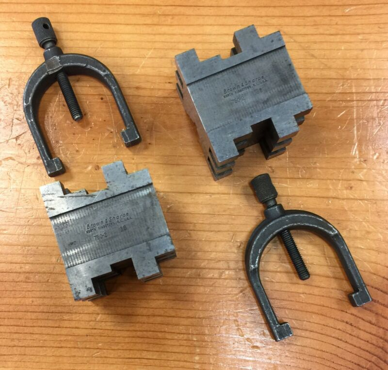 Pair of 2 of Brown & Sharpe V Blocks  No. 750-2 with clamps