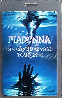 **** MADONNA **** LAMINATED CONCERT TOUR BACKSTAGE PASS - DROWNING WORLD - 2001