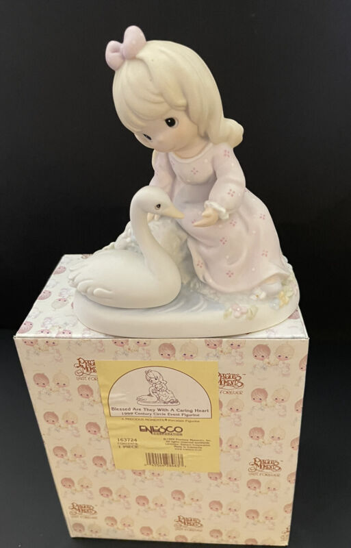 Precious Moments-Blessed Are They With A Caring Heart-1999 Limited Edition