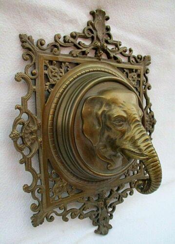 ANTIQUE VINTAGE LARGE ELEPHANT HEAD BRASS METAL PLAQUE WALL HANGING ART STATUE