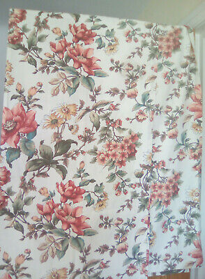 VINTAGE FLORAL CURTAINS IDEAL FOR CRAFTING FABRIC