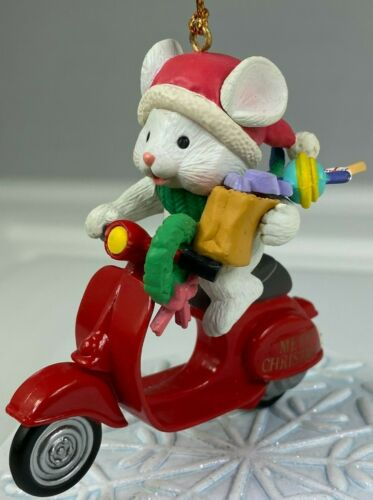 MISTLETOE MAGIC COLLECTION MOUSE ON SCOOTER VINTAGE CHRISTMAS ORNAMENT PRE OWNED