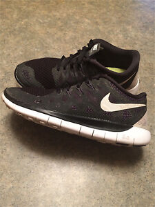 Boy's size 3- Nike Outdoor Shoes Peterborough Peterborough Area image 1