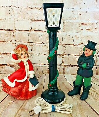 vtg Ceramic Christmas Carolers Electric Light Street Lamp Post Singers handmade