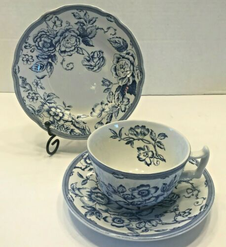 Spode Teacup and Saucer and Salad/dessert Plate Clifton Design Blue and white