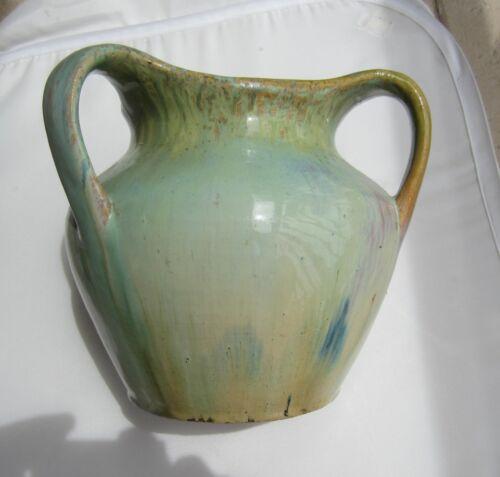 Sessionist Era three-handled vase