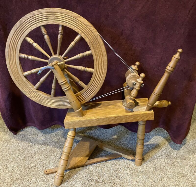 Spinning Wheel Oak Beautiful Condition