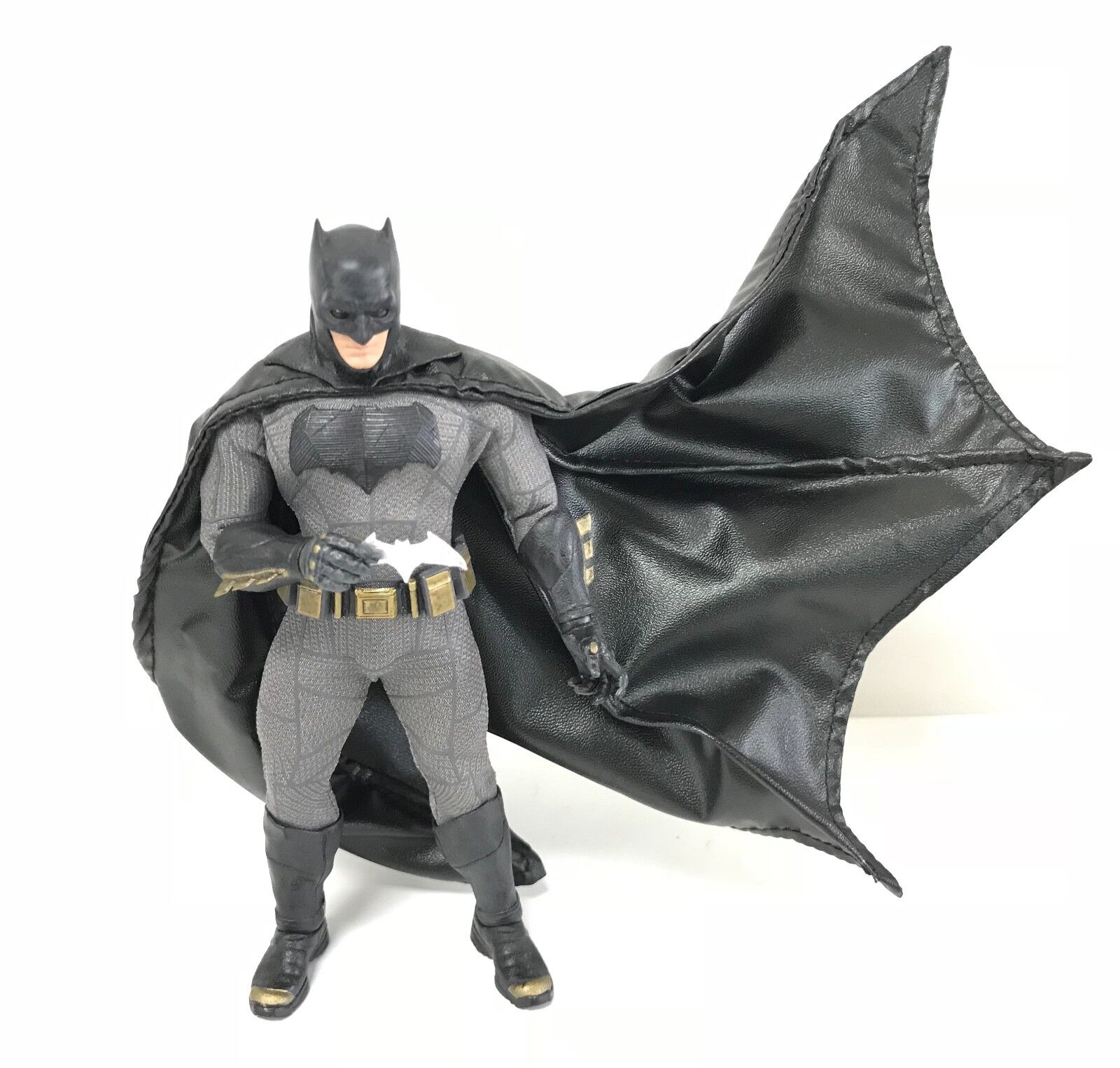 SU-C-MZB: Black Wired Cape for Mezco One:12 BvS Batman