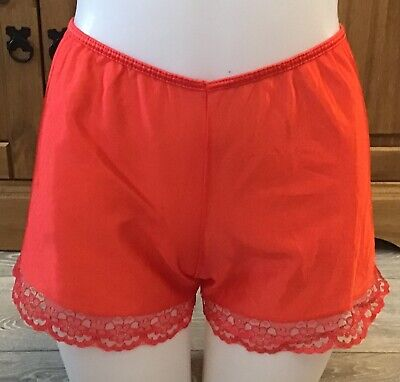 VINTAGE RED FRENCH KNICKERS SIZE MEDIUM 10/12