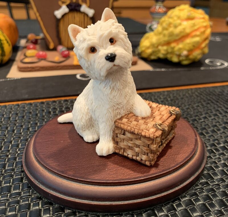 Sherratt & Simpson Figurine West Highland Terrier w/ Picnic Basket MINT & RARE!