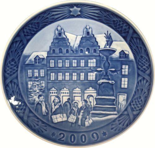 "2009 Royal Copenhagen Christmas Plate ""Christmas at Amargertorv"" BRAND NEW w Box"