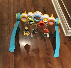 Infantino pop and play activity gym
