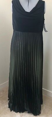 NWT Betsy & Adam Plus Size 22W Goddess Style Evening Gown w/ Iridescent Detail - Plus Size Goddess Dresses