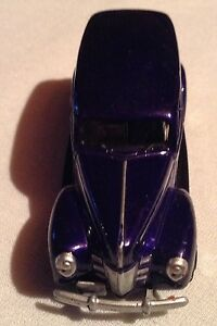 VOITIURE MINIATURE PLYMOUTH PROWLER SCALE 1.55