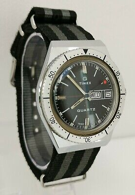 Vtg 1970s Timex Q Electric Quartz Red Dot Lollipop Divers Day Date Gents Watch
