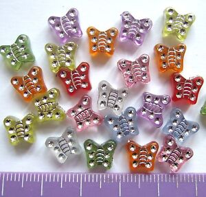 100 x acrylic /plastic childrens butterfly beads 9mm A11