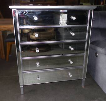 MIRRORED TALL BOY 5 DRAWS IN SILVER LINING