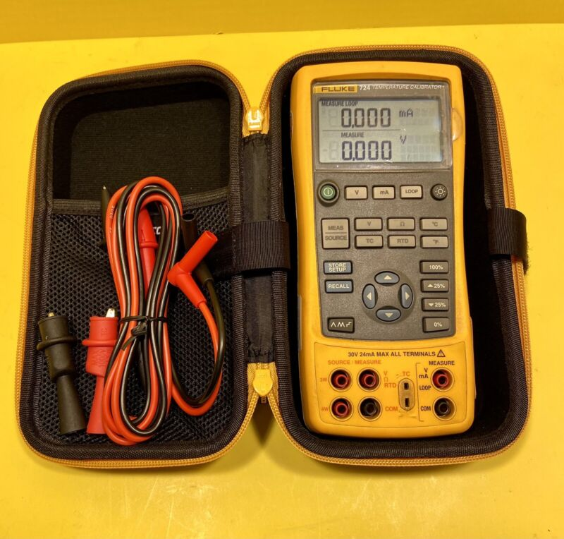Fluke 724 Temperature Calibrator with Fluke Leads, Case, Excellent working Cond