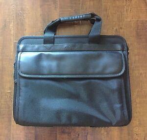NEW Men's Traveller Laptop Case. Paid $124.29 .....$50.00