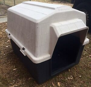 Large Petmate Dog House Beenleigh Logan Area Preview
