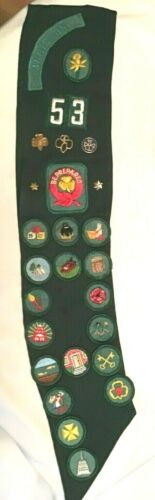 Intermediate Girl Scout BADGE SASH, OFFICIAL Uniform Pins, HALLOWEEN COSTUME 53