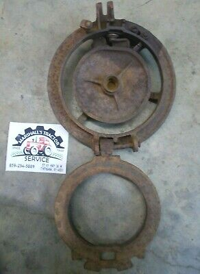 464262r1 Corn Planter Hopper Bottom W Ring Knocker International Harvester
