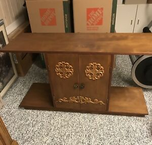 Antique stereo/tv stand