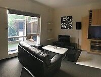 Fully Furnished 1 Bedroom Ground floor Apartment with Garden.