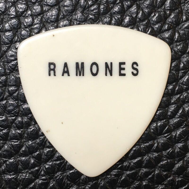 GUITAR PICK - THE RAMONES -  PICK