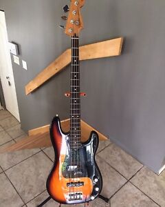 Bass fender USA à échanger