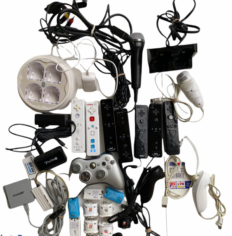 Huge Lot Video Game Accessories Wii Controllers Nunchucks 8lbs For Parts Only NW