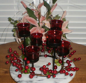 ONE-1-IRON-TEALIGHT-HOLDER-WITH-6-RED-GLASS-TEALIGHT-HOLDERS-amp-BERRY-ACCENTS